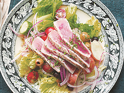 PollanFamily_Mediterranean-Salad-with-Seared-Tuna_400