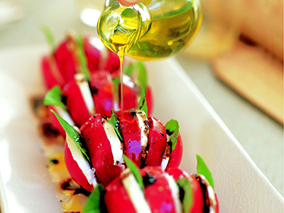 Williams-Sonoma Outdoor Entertaining Recipe: Caprese Salad