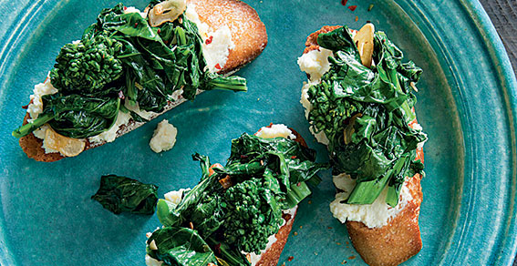 Williams-Sonoma Broccoli Rabe Crostini, williams-sonoma recipes